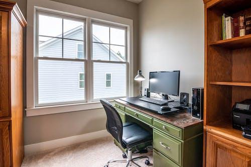 Foto d'estoc gratuïta de armari, arquitectura, cadira, casa