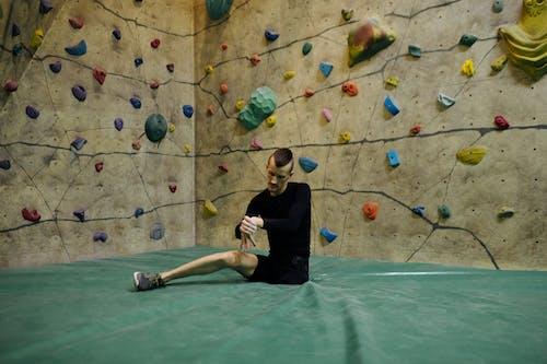 Foto profissional grátis de ação, alongamento, amputado, atividade