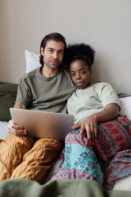 Fotobanka sbezplatnými fotkami na tému Afroameričanka, apartmán, bezdrôtový, byť spolu