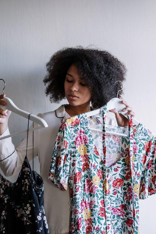 Kostenloses Stock Foto zu afro, afro-haar, attraktiv