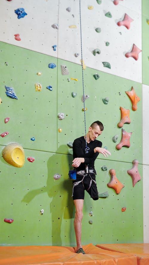 Foto profissional grátis de ação, alpinista, altura, amputado