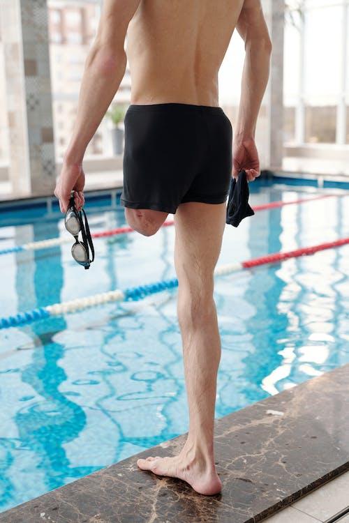 Foto profissional grátis de amputado, atividade física, bem-estar, de pé
