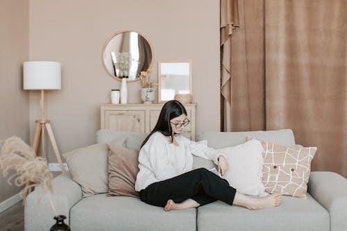Throw Pillows, 休閒, 坐 的 免費圖庫相片