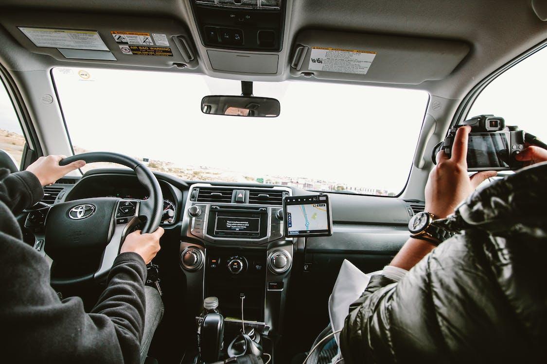Foto stok gratis mengemudi, mengendarai, menyetir