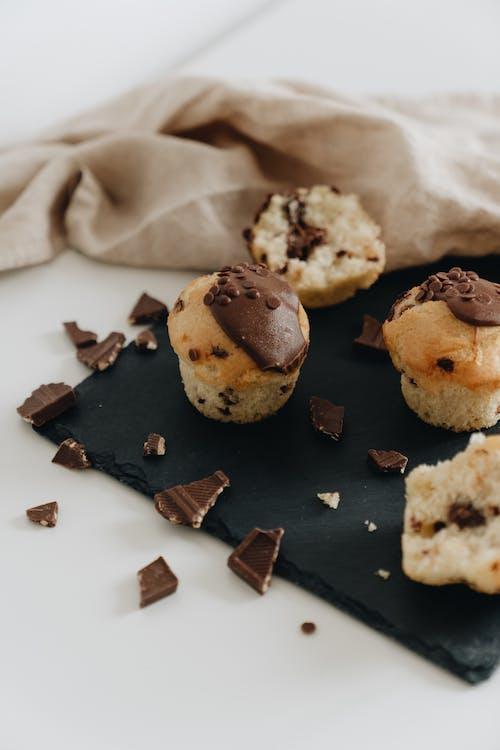 Darmowe zdjęcie z galerii z babeczka, cukier, czekolada