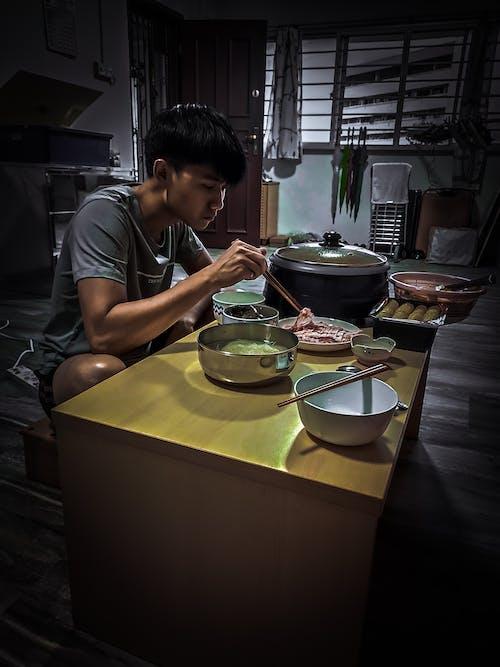 akşam yemeği, bir başına, Gıda, steambot içeren Ücretsiz stok fotoğraf