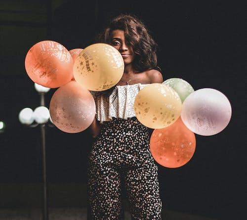 Imagine de stoc gratuită din atrăgător, baloane, concentrare, costum
