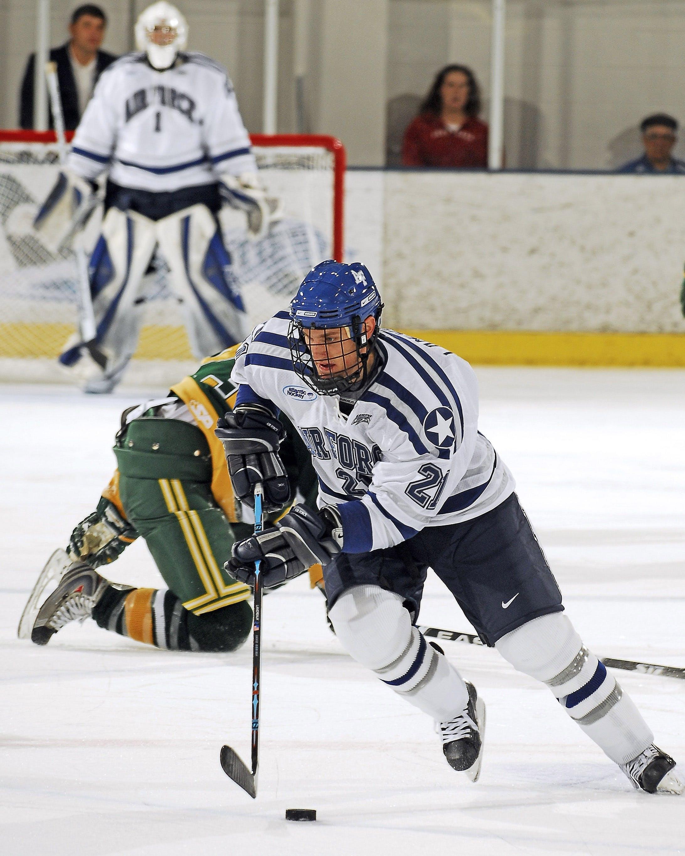 Kostenloses Stock Foto zu athlet, eishockey, inlineskaten, menschen