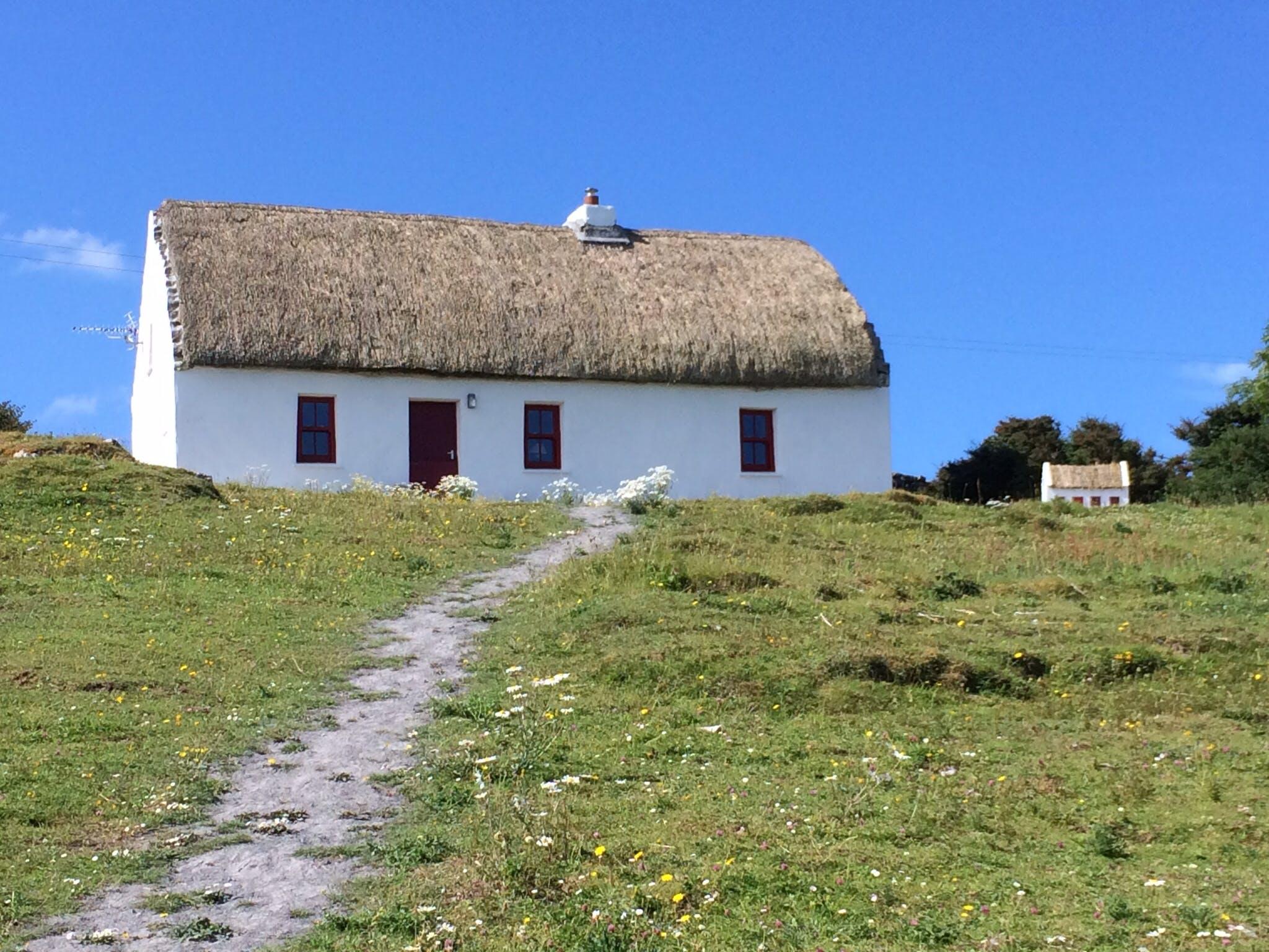Free stock photo of Aran Islands, Irish cottage, thatch cottage, white cottage