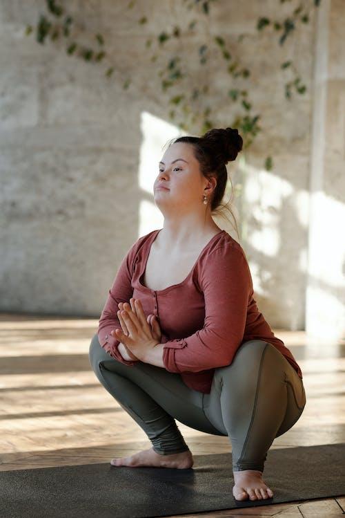 Immagine gratuita di a piedi nudi, adatto, allenamento, asana