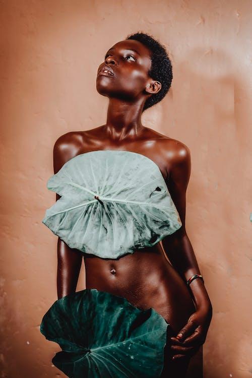 Kostenloses Stock Foto zu afroamerikaner-frau, anmut, ausdrucksvoll