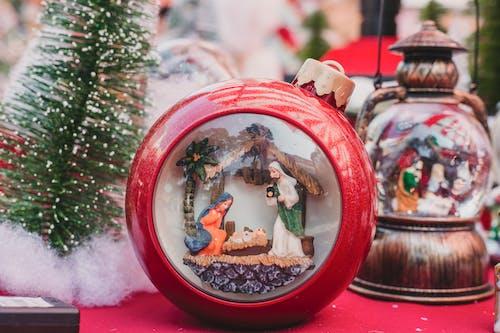 Red Christmas Snow Globe