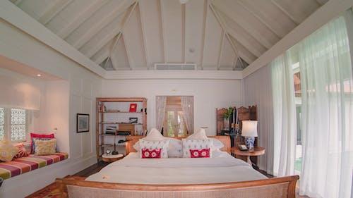 Photos gratuites de canapé, chambre, chambre à coucher, chez-soi