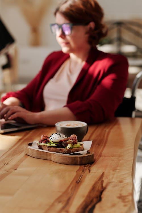 Ilmainen kuvapankkikuva tunnisteilla Aamiainen, asetelma, ateria, business