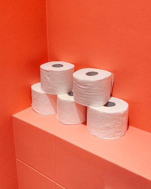 Foto stok gratis dalam ruangan, efek, gulungan kertas toilet, gulungan tisu