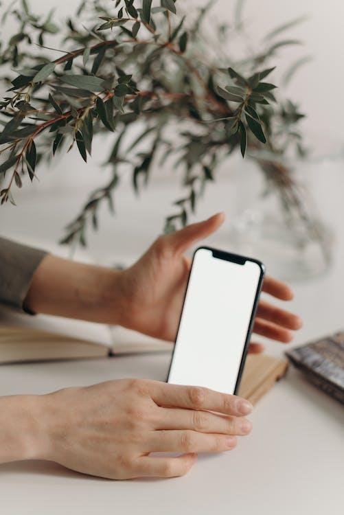 iphone, インドア, エレクトロニクスの無料の写真素材
