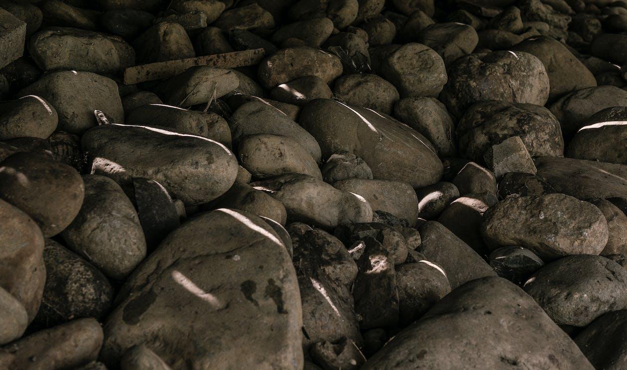 Foto profissional grátis de cinza, cinzento, pedras