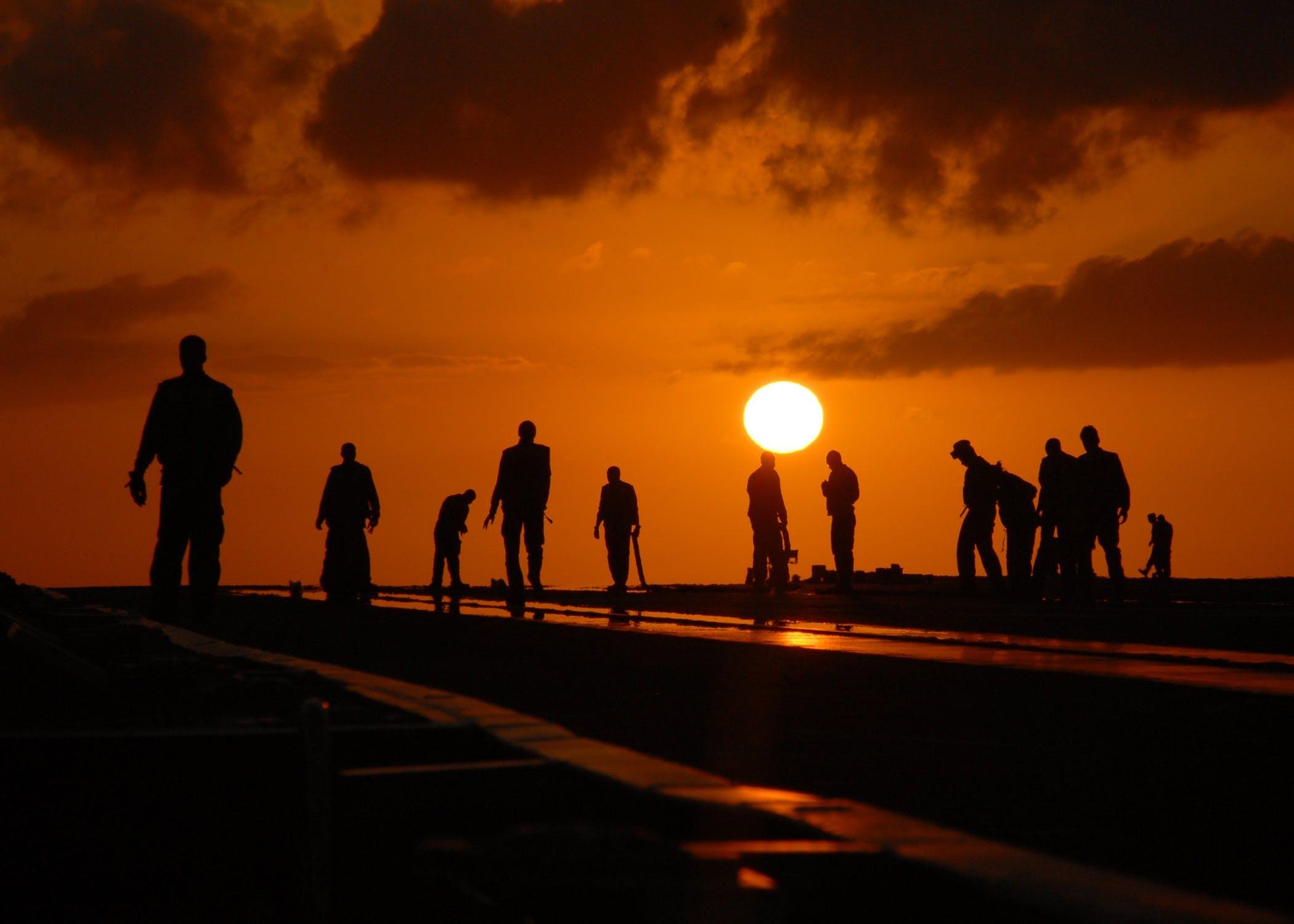 Základová fotografie zdarma na téma dělník, letové paluby, lidé, obloha