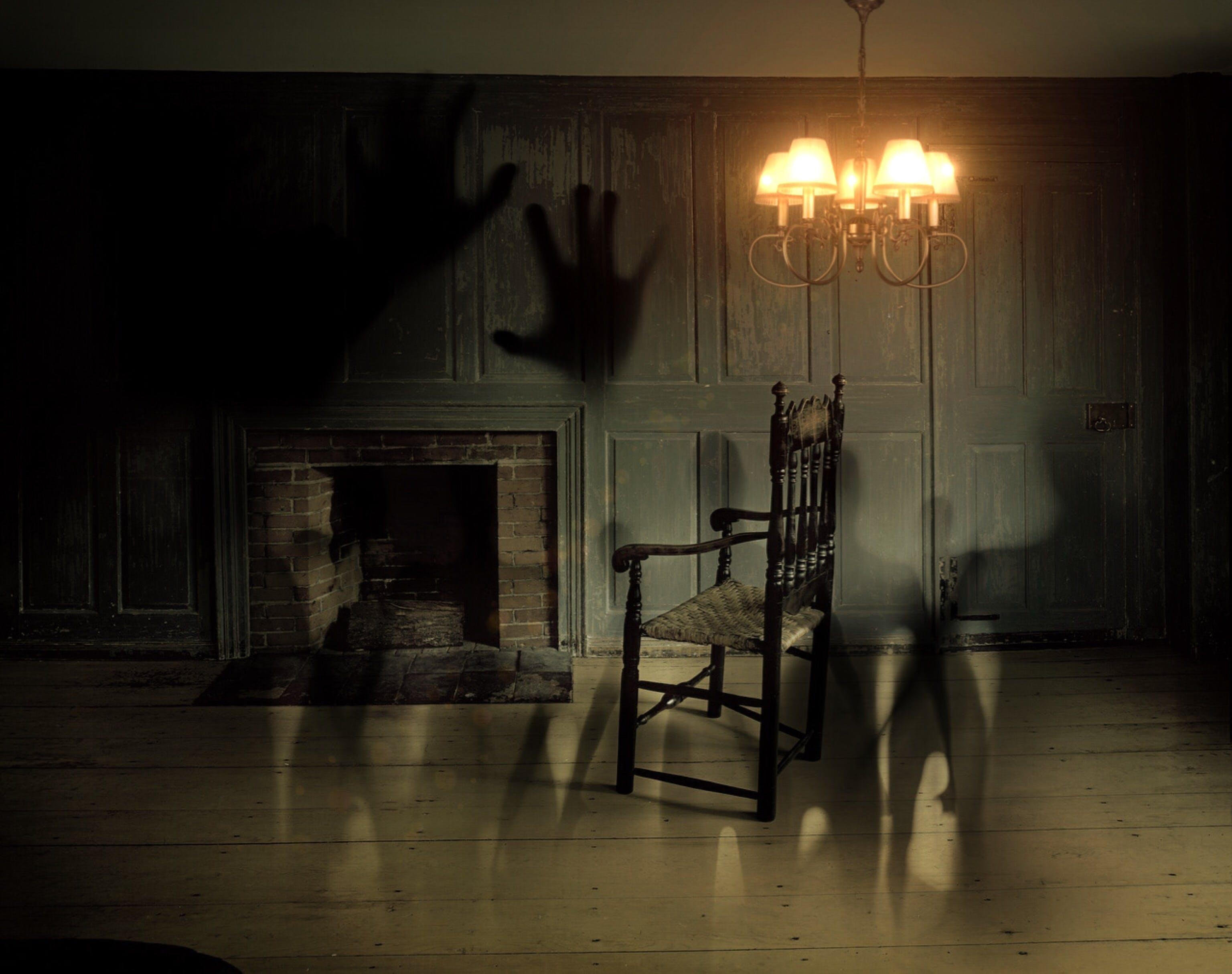 Foto d'estoc gratuïta de ànimes, cadira, clareja, esfereïdor