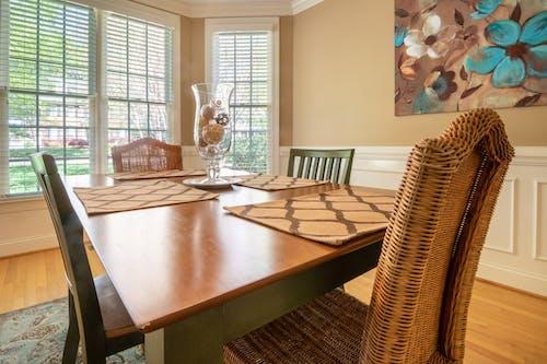 Foto d'estoc gratuïta de interior, llar, menjador, taula