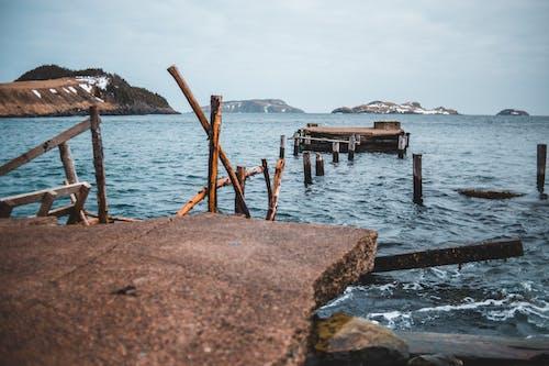 Бесплатное стоковое фото с берег, вода, волны