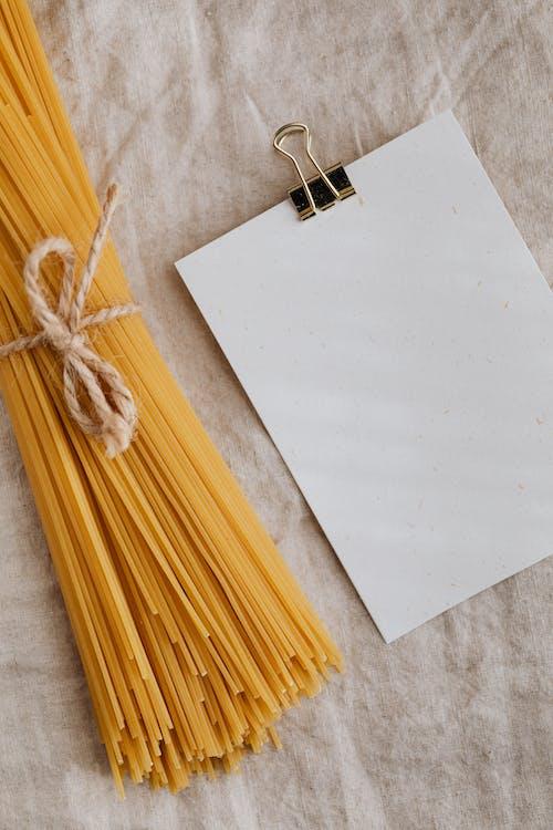 Foto profissional grátis de bruto, clipe de papel, close, corda
