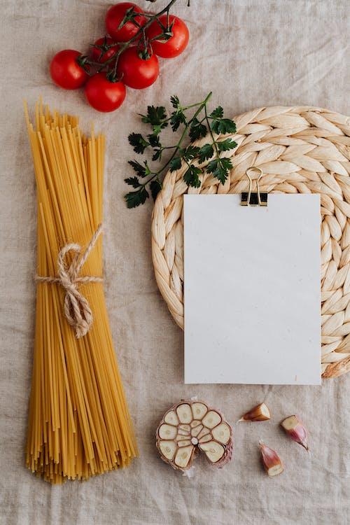 Immagine gratuita di aglio, carta, cibo