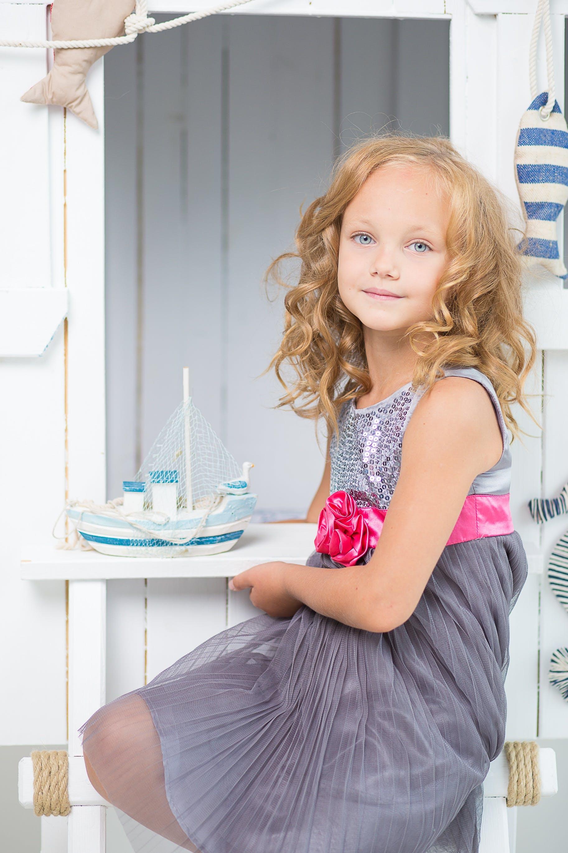 Kostenloses Stock Foto zu blond, hübsch, jung, kaukasisch