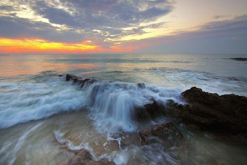 Бесплатное стоковое фото с вода, волны, живописный, идиллический