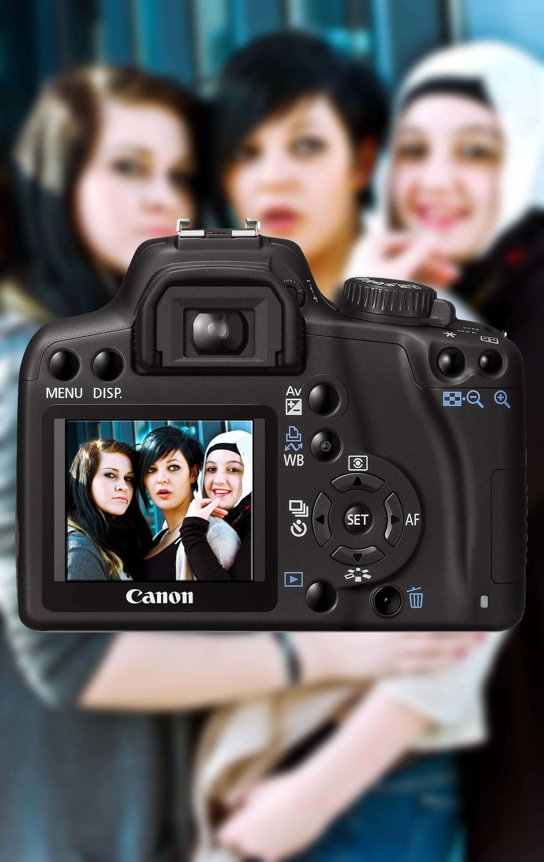 3 Women Caught on Dslr Camera