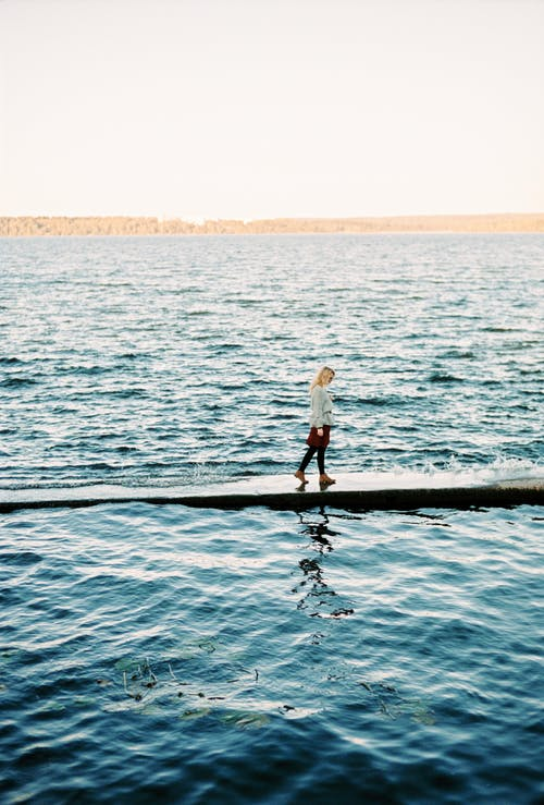 açık hava, beyaz ırk, deniz içeren Ücretsiz stok fotoğraf