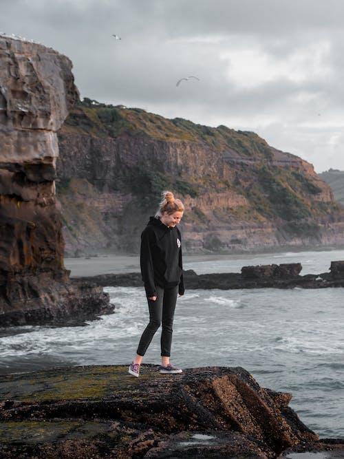 Δωρεάν στοκ φωτογραφιών με rock, Surf, άκρη γκρεμού, αναψυχή