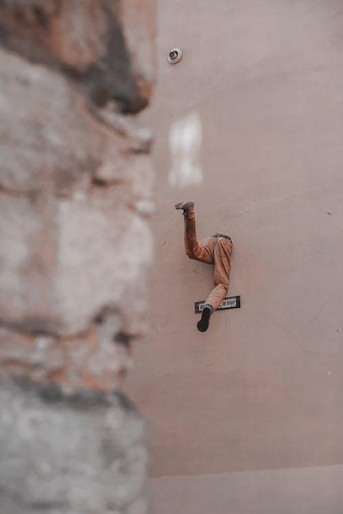 Безкоштовне стокове фото на тему «баланс, виклик, Вулиця, Денне світло»