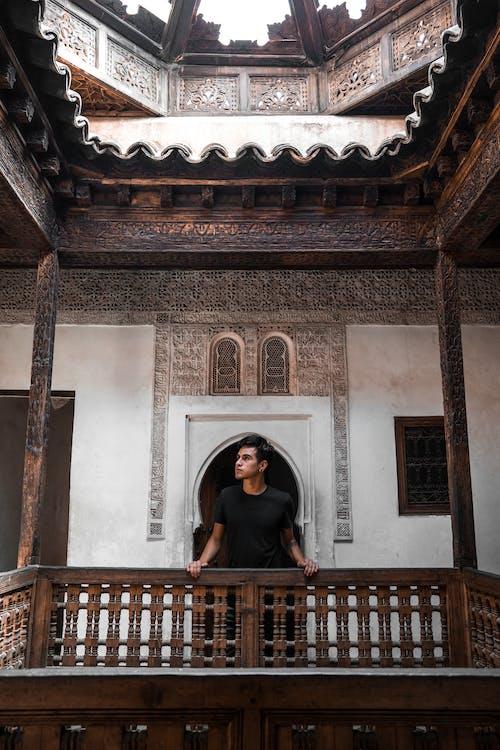 Fotobanka sbezplatnými fotkami na tému Afrika, architektúra, balkón, budova