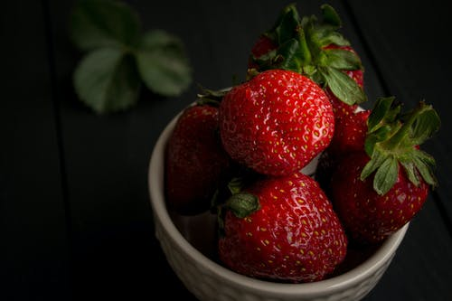 beslenme, çalı meyveleri, çanak, çilekler içeren Ücretsiz stok fotoğraf
