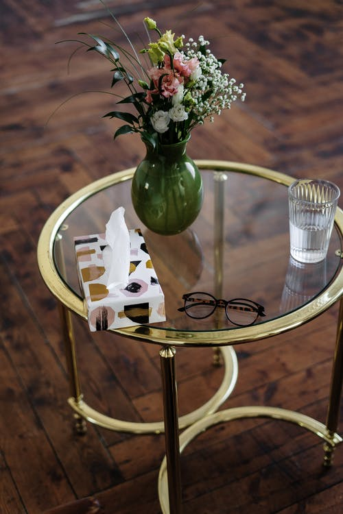 Fotos de stock gratuitas de cristal, de madera, florero, florero de vidrio