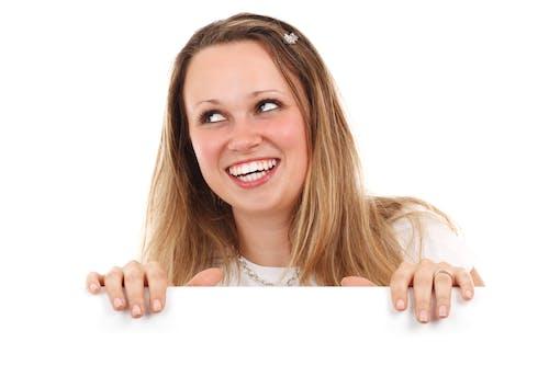 Kostenloses Stock Foto zu blond, erweiterung, frau, karte