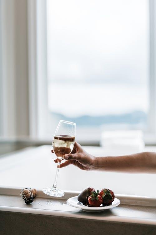 Kostenloses Stock Foto zu bad, champagner, dämmerung
