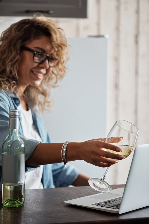Kostnadsfri bild av alkohol, alkoholhaltig dryck, ansikte