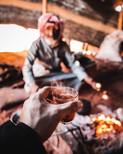 Бесплатное стоковое фото с Барбекю, бедуин, вади рум, Взрослый
