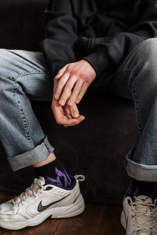Immagine gratuita di adolescente, adolescenza, aggressione