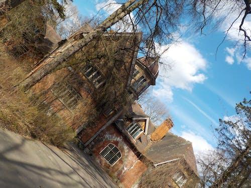 Ilmainen kuvapankkikuva tunnisteilla linna, taivas, vanha talo