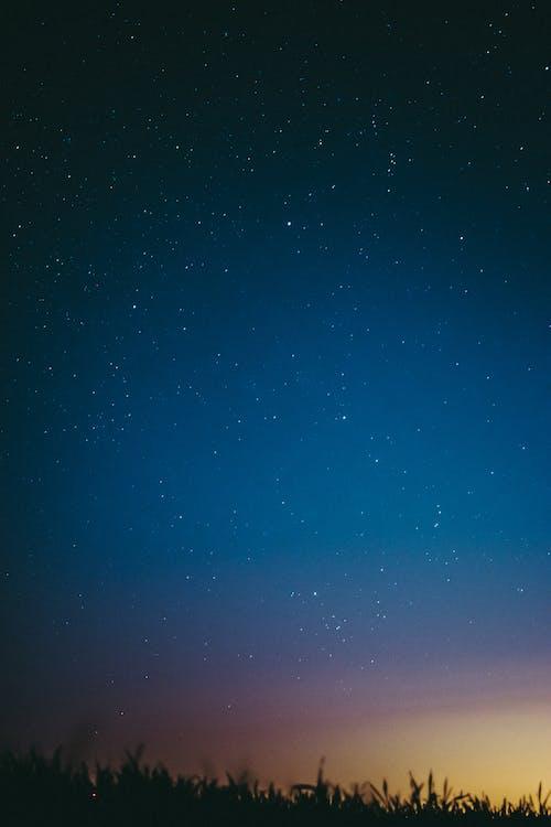 akşam, astronomi, dikey atış içeren Ücretsiz stok fotoğraf