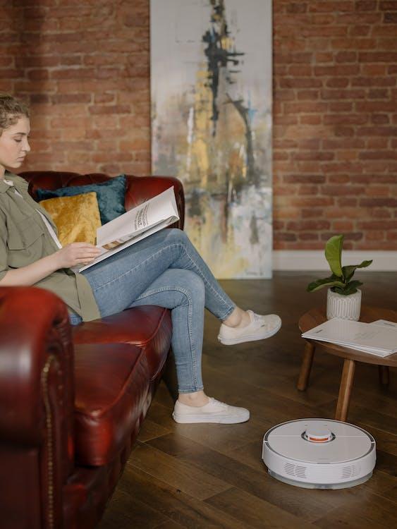 Foto profissional grátis de aparelho eletrônico, apartamento, aspirador de pó