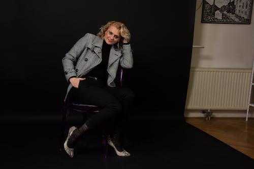 Kostenloses Stock Foto zu blond, elegant, europäische frau, fokus