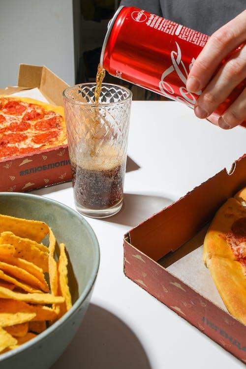 Ingyenes stockfotó asztal, beltéri, coca-cola, csípős témában