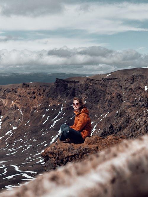 Δωρεάν στοκ φωτογραφιών με βουνά, βουνό, Εξωτερικός χώρος, κορίτσια