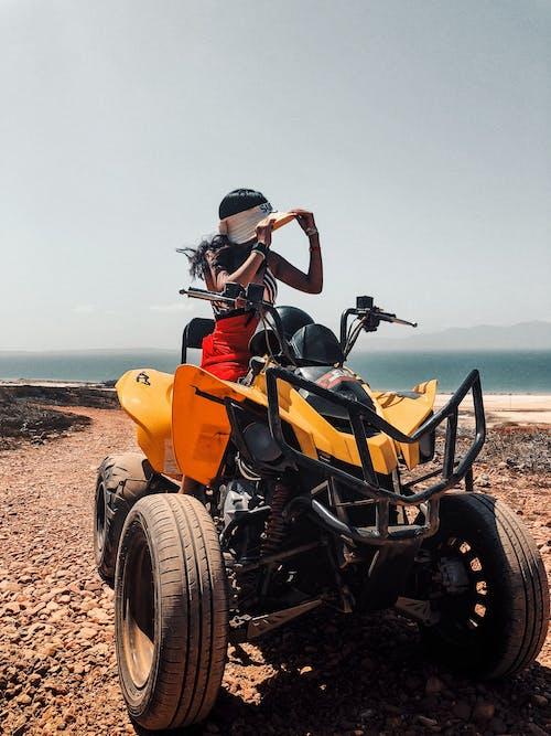 Δωρεάν στοκ φωτογραφιών με latina κορίτσι, quad bike, ζεστός καιρός, καλοκαίρι