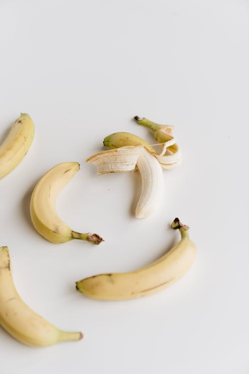 Fotobanka sbezplatnými fotkami na tému banán, biele pozadie, čerstvý, chutný