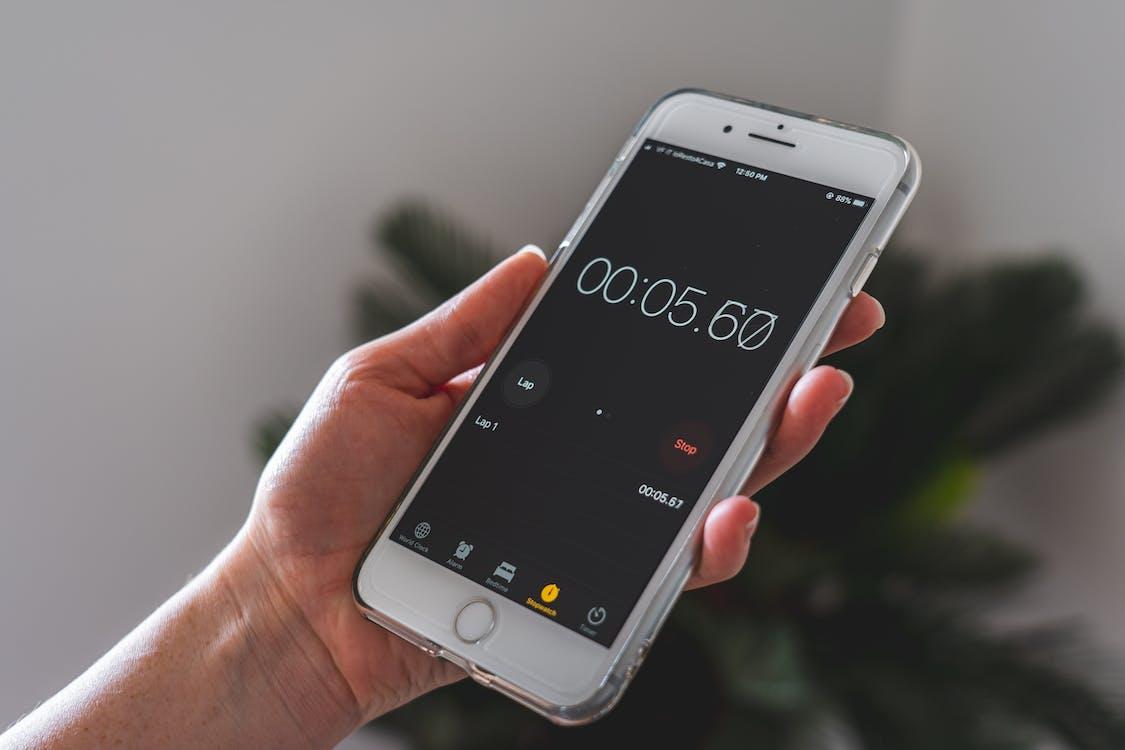 Безкоштовне стокове фото на тему «iPhone, бездротовий, будильник»